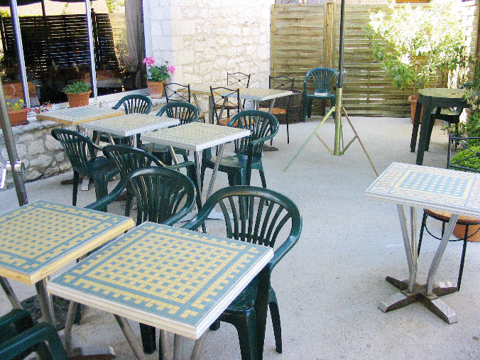 Wonderful terrasse de bistrot 676 x 507 · 143 kB · jpeg